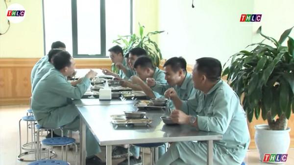 Tăng cường giải pháp đảm bảo an toàn vệ sinh thực phẩm tại các bếp ăn tập thể.