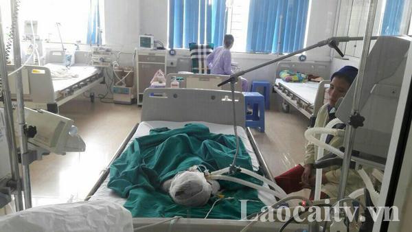 CháuLy Cà Đo được điều trị, chăm sóc tích cực tại Bệnh viện Sản - Nhi tỉnh Lào Cai.(Ảnh:Quang Sản)